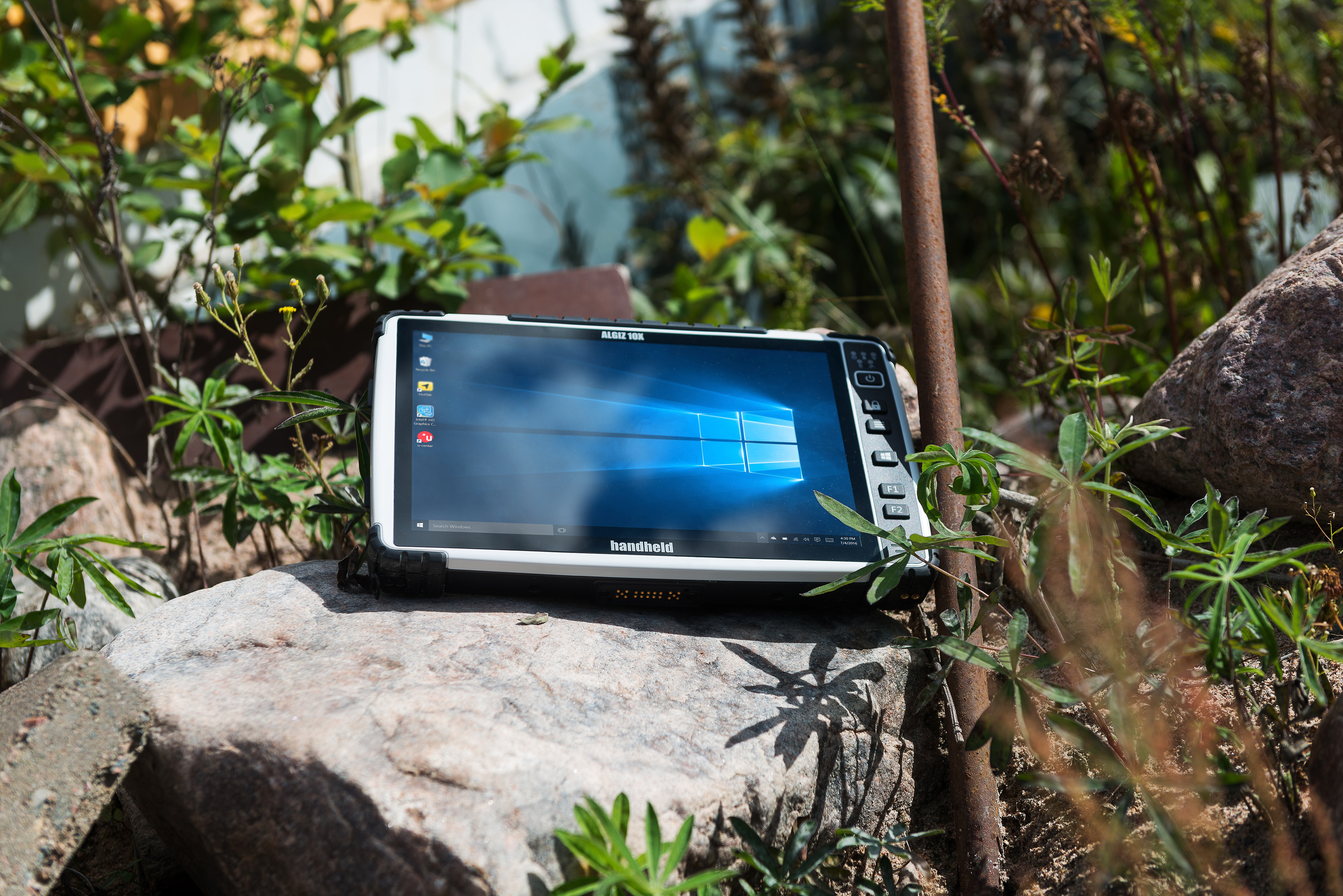 Algiz-10X-capacitive-rugged-tablet.jpg
