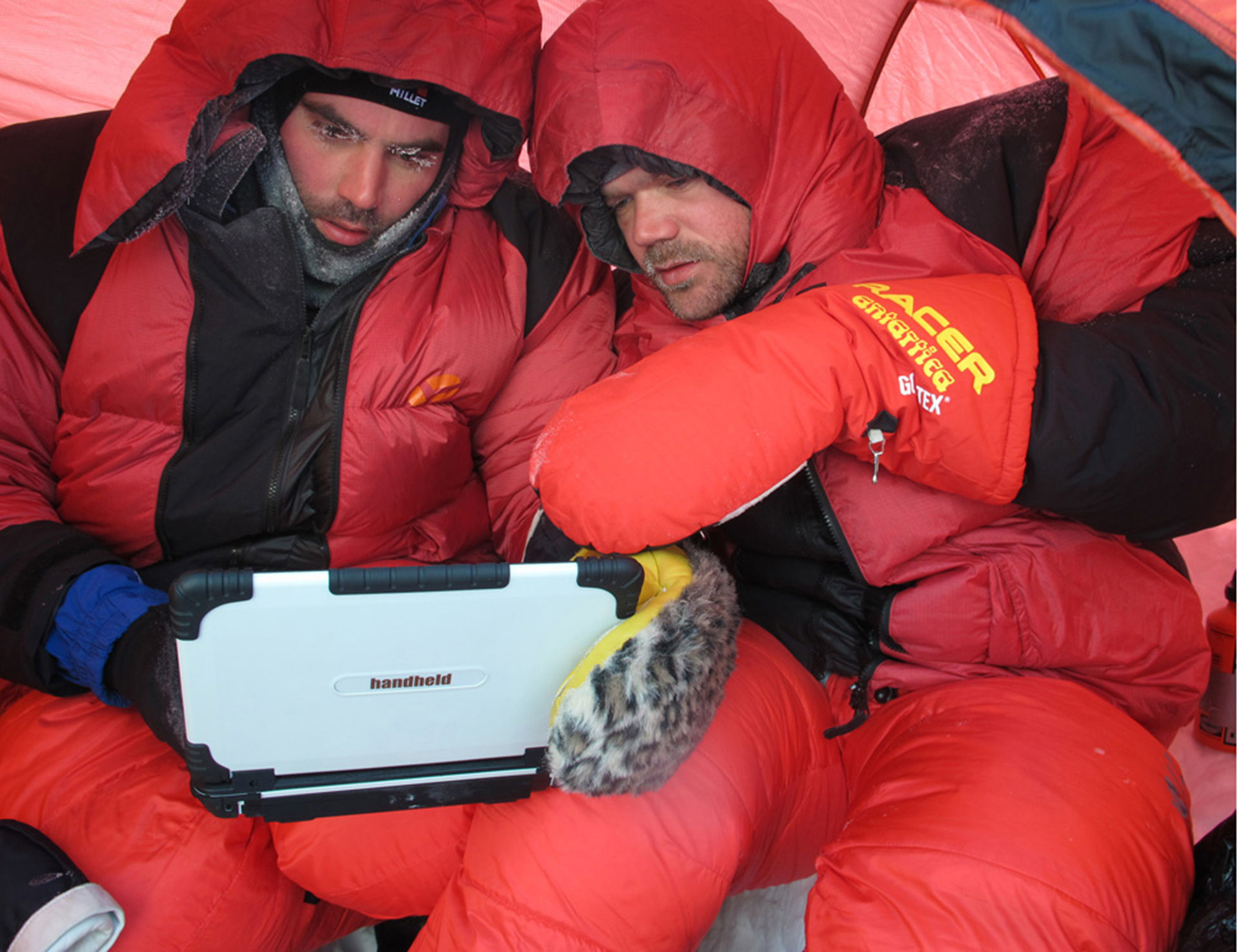 Algiz-XRW-working-in-cold-condition-at-north-pole.jpg