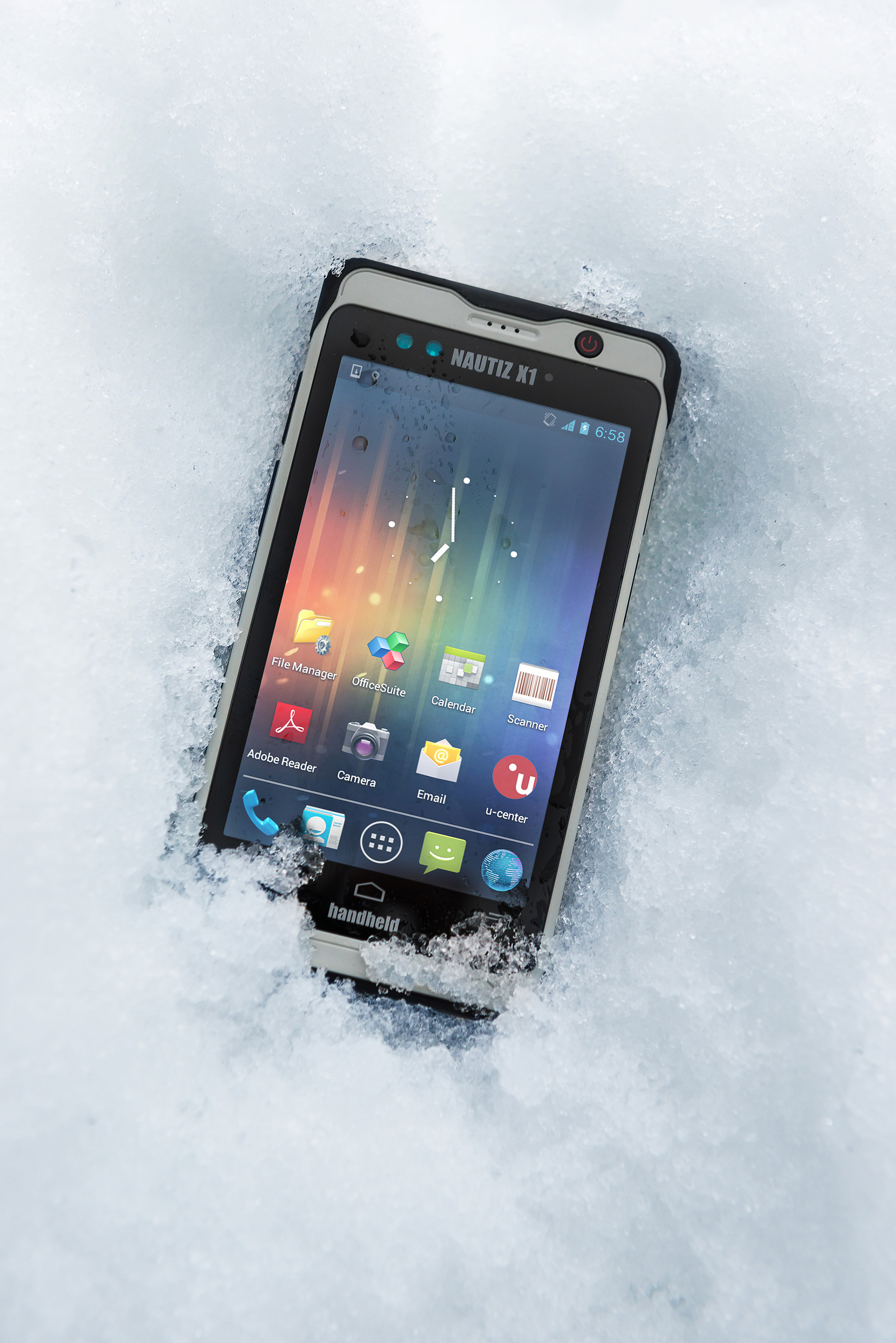 Nautiz-X1-rugged-handheld-IP67-snow.jpg