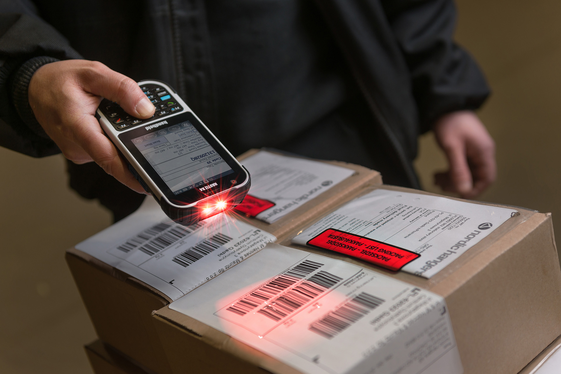 Nautiz-X4-handheld-IP65-warehouse-scanner.jpg