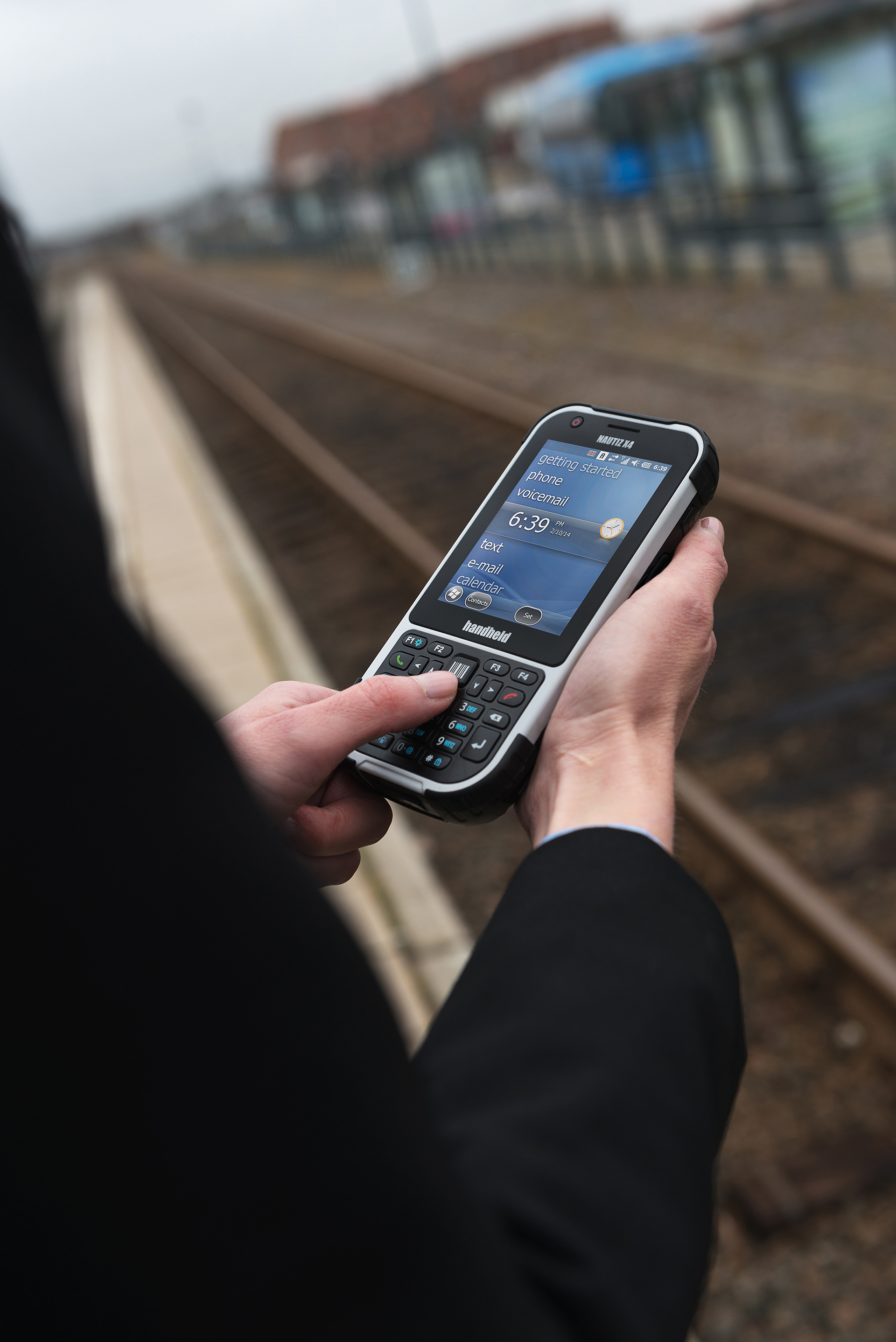 Nautiz-eTicket-Pro-II-rugged-IP65-public-transport-trainstation.jpg